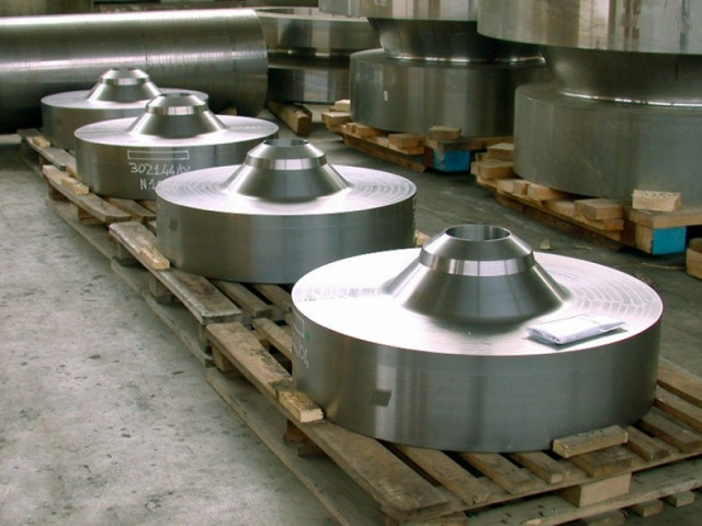 FLANGES SELF-REINFORCING